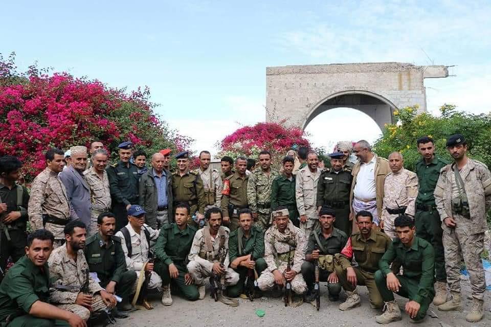 لجنة مشتركة بتعز تدشن المرحلة الأولى من التنسيق الأمني بين الجيش والأمن